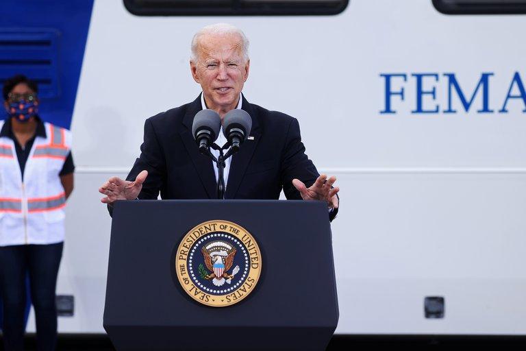 Biden vacunas indocumentados