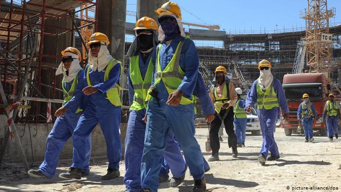 trabajadores inmigrantes han muerto en qatar