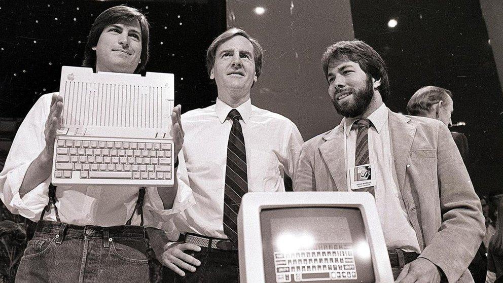 steve jobs presenta apple II