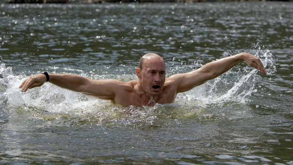 putin nadando