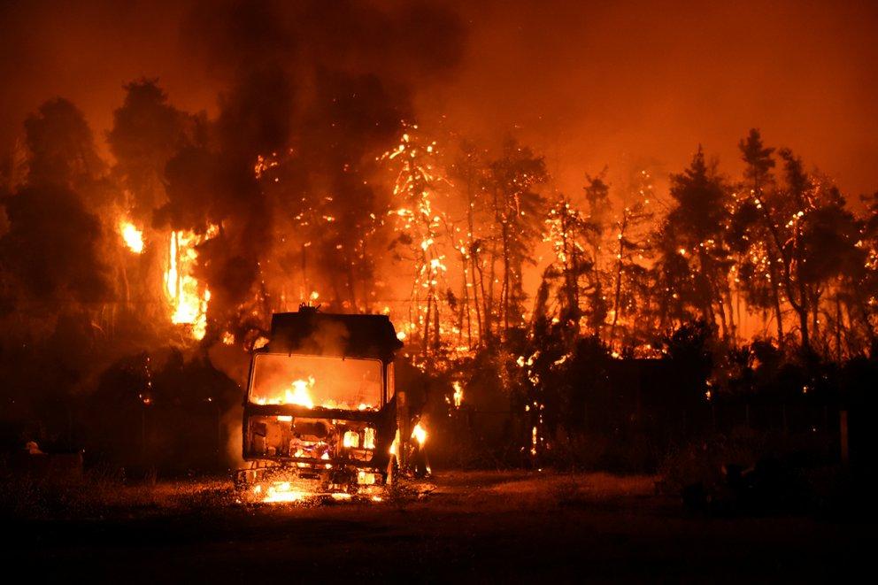 incendio isla evia