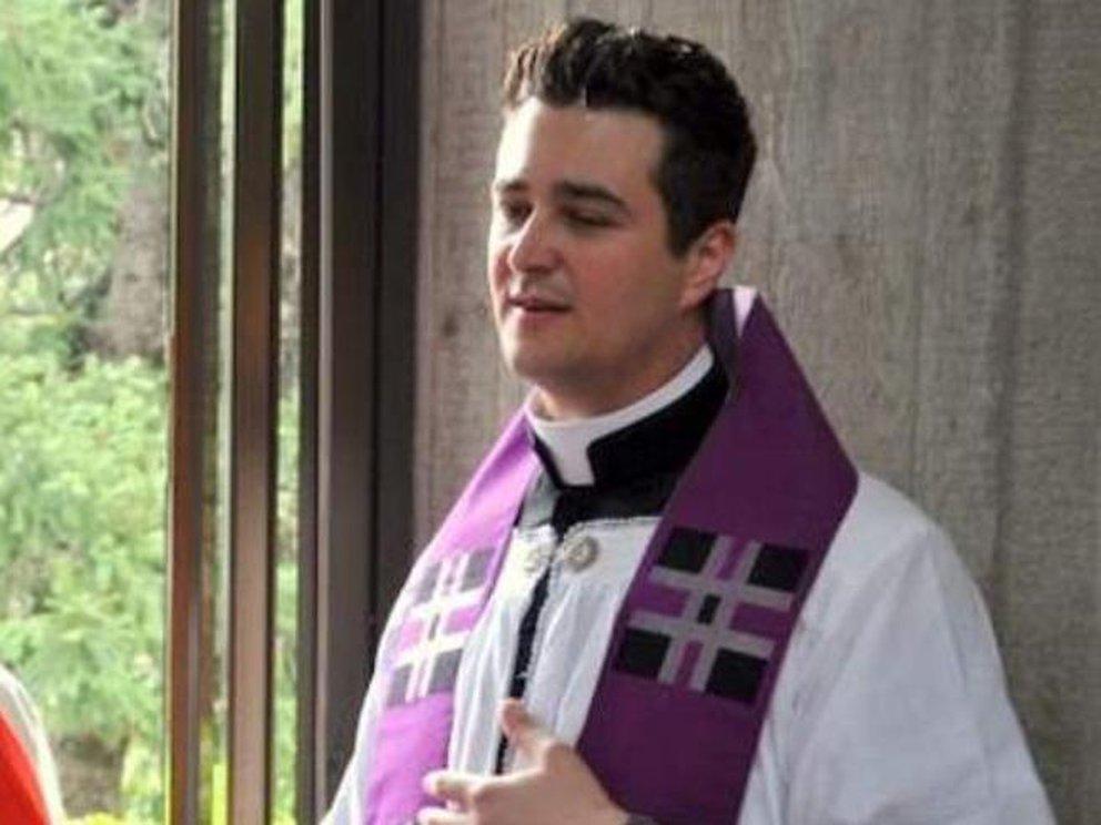 sacerdote italia